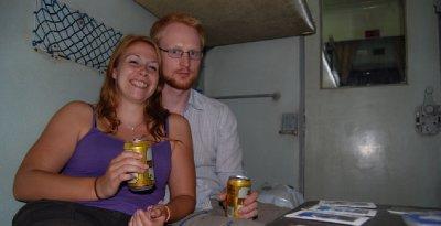 Øl og kortspill på togtur
