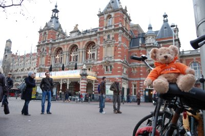 amsterdam by gulliver