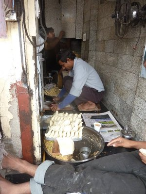 Making samosas in old Dehli