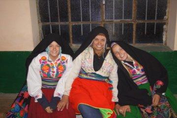 traditional peruvian clothing
