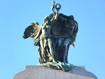 National War Memorial statue