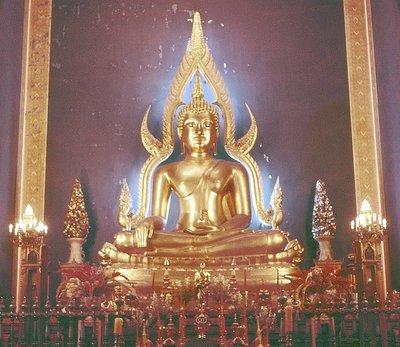 Buddha at Wat Benchamabophit