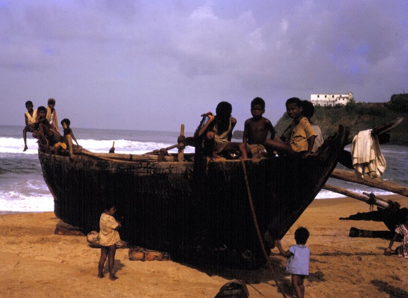 Calangute fishing boat, with Retreat House in background