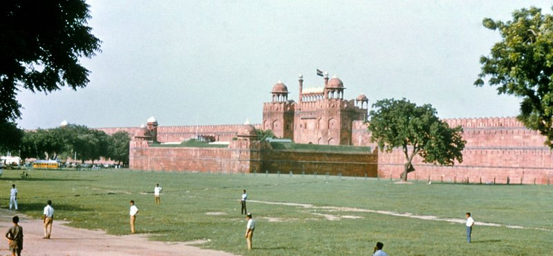 large_Red_Fort__Lahore_Gate.jpg