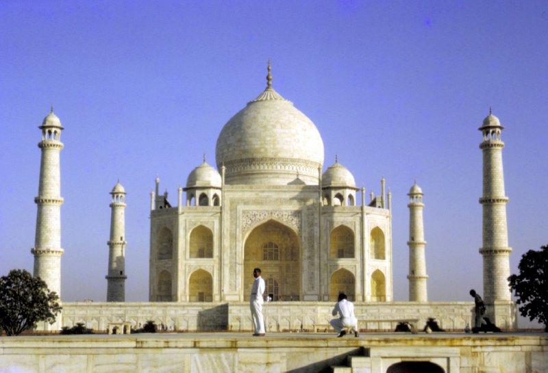 large_Taj_Mahal.jpg