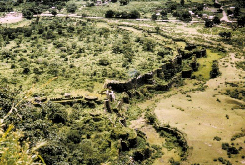 Fort Wall and Moat, Daulatabad