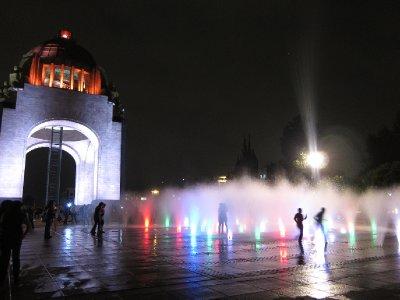 Monumento a la Revolucion - by night