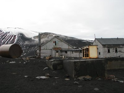 Deception Island - Whalers bay - old home