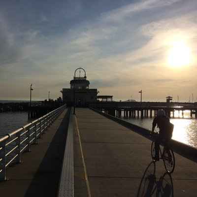 St Kilda Pier - evening cycle