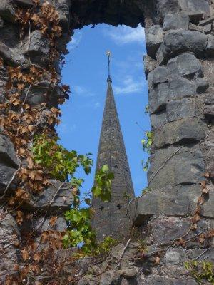Llandaff_C..e_ruins.jpg
