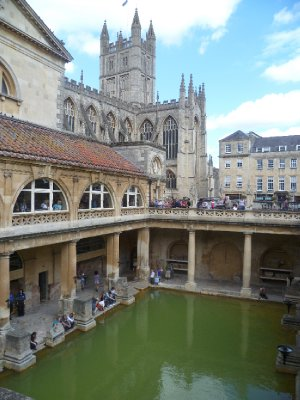 Bath Abbey overlooks the bathing complex