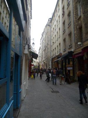 Rue des Rosiers in Le Marais
