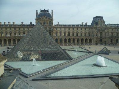 The_famous_pyramid.jpg
