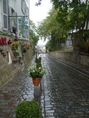 The narrow streets of Montmartre