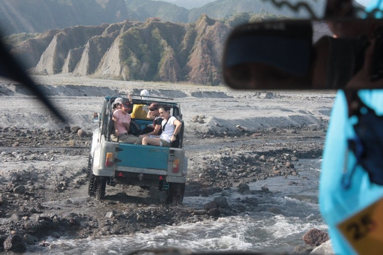Off Road En Route to Pinatubo
