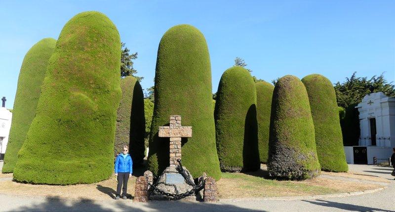P1040268 Punta Arenas (22s) - Cemetery (11) - Jane