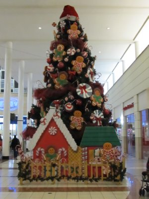 Christmas tree in Metrocentro