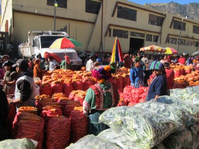 Fruit and vegetable market in Almolonga