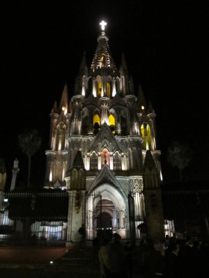 Parroquia in San Miguel de Allende by night