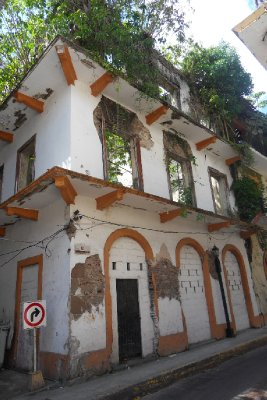 Panama City - Casco Viejo - one of the many houses of which only the house front is left