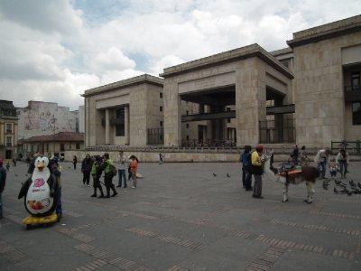 A llama and a penguin, strange combination, outside the Palacio de Justicia