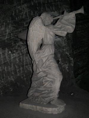 A statue of an angel