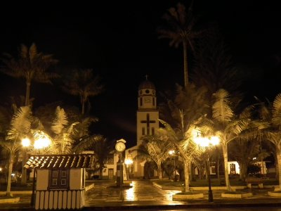 Salento centre at night