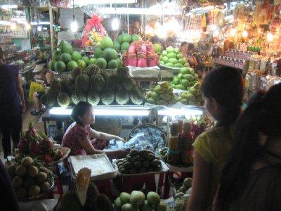 ben thanh market fruit