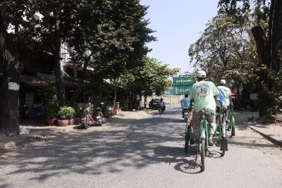 Phnom Penh architectural tour, cyclo transport