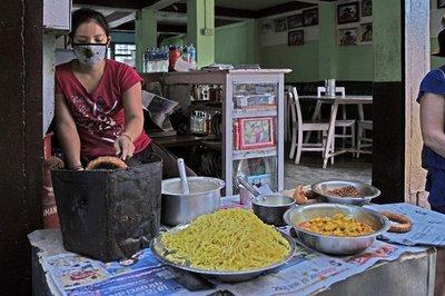 Rice Flour Doughnut Seller
