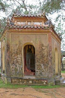 Thien Mu Pagoda Bell