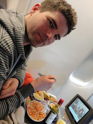 Mat paa Air France cattle class