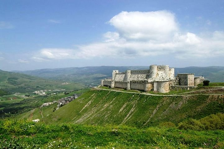 A general view of the whole castle.