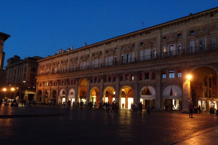 The Palazzo dei Banchi in the city centre.