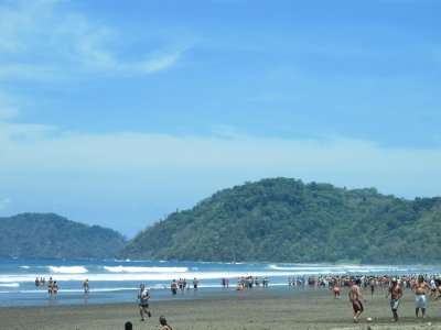 The crowds at Jaco beach
