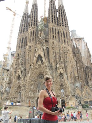 Ana, so thankful to have stood at the steps of Sagrada Familia