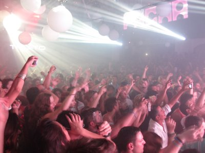 And the crowd goes wild at Pacha for Tiesto