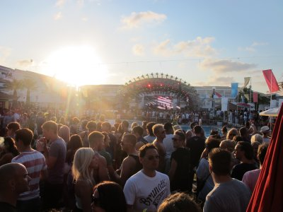 The large outdoor venue of Ushuaia, with a large pool in the center (too many people to see it from this angle)