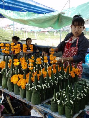 Flowers for sale in Qua Din market