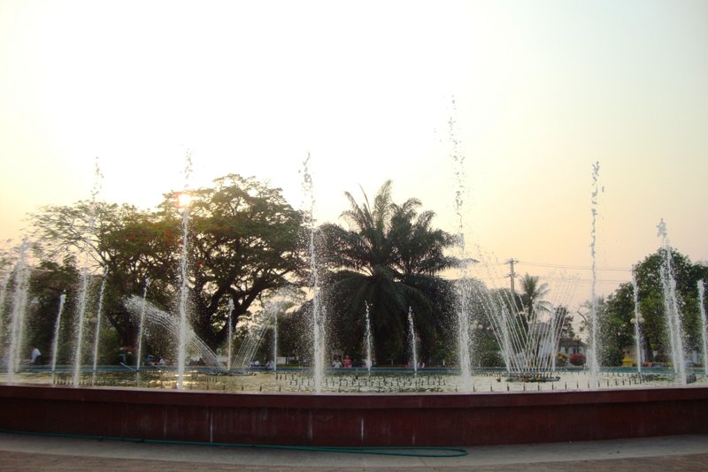 Pathuxay Monument water fountain