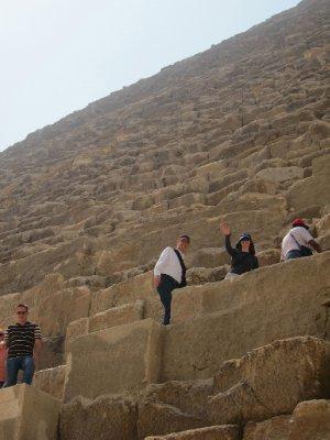 3Pyramids3.jpg