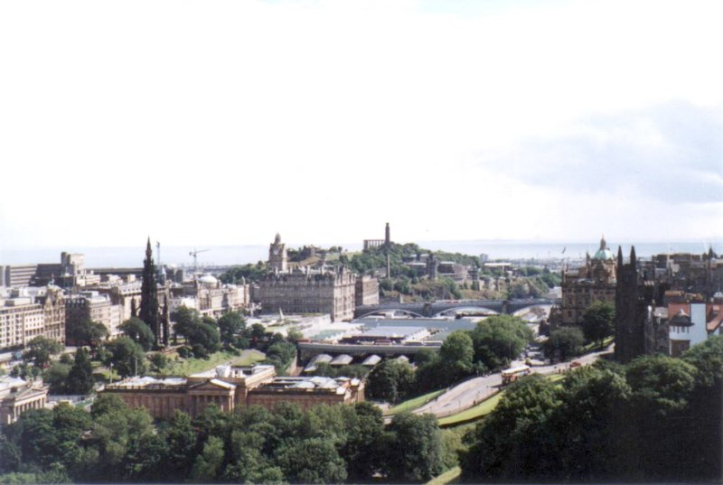 large_Edinburgh_..stle_03.jpg