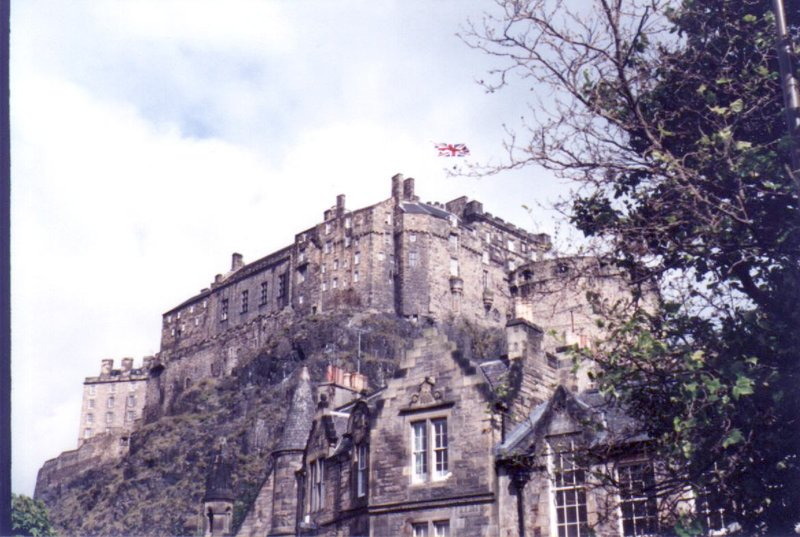large_Edinburgh_Castle_02.jpg