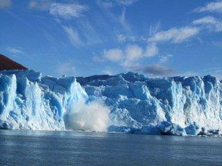 glacier break and splash