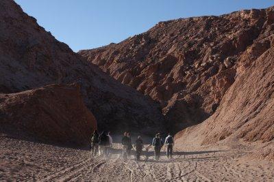 Strolling along the Valle de Luna