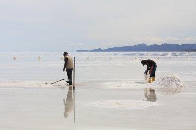 Salt flat workers