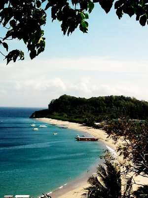 white beach of puerto galera
