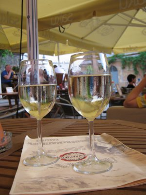 Wine, live music in cafe in Tallinn old town