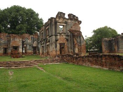 Phra Narai Ratchaniwet ruins