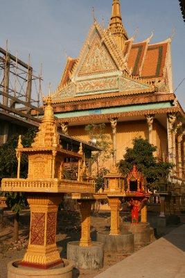 The Silver Pagoda Where Dragon was a Monk